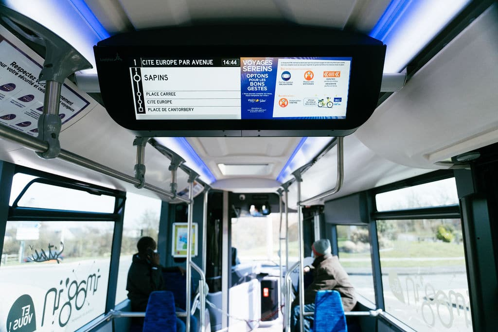 Lumiplan_SmartMobility_ecran_29''_Calais_Matthieu_Engelen_2021